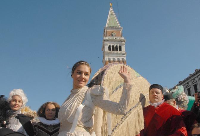 Venezia, 15/02/2009.Piazza San Marco.Il Volo dell'Angelo (Margherita Missoni). ©Sebastiano Casellati/Vision
