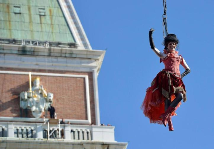 ITALY-CARNIVAL-VENICE-ANGEL FLIGHT